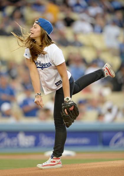 Kate+Hansen+Philadelphia+Phillies+v+Los+Angeles+lu_trDhyd1bl